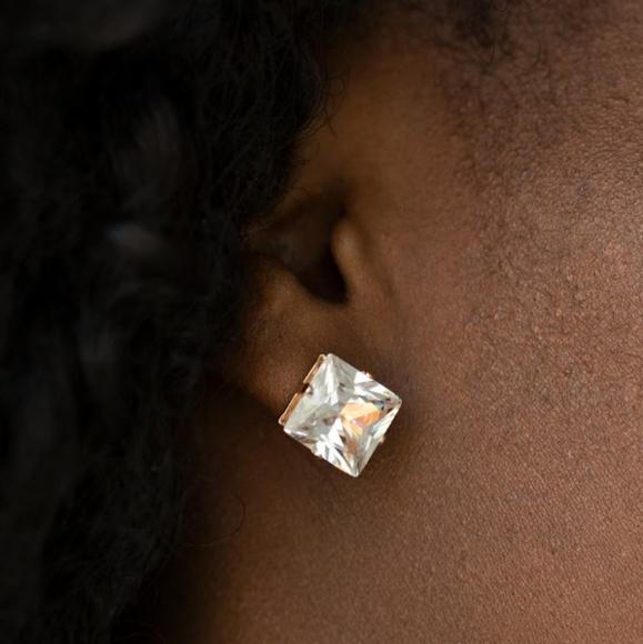 💎3/$15 LaRgE rhinestone earrings